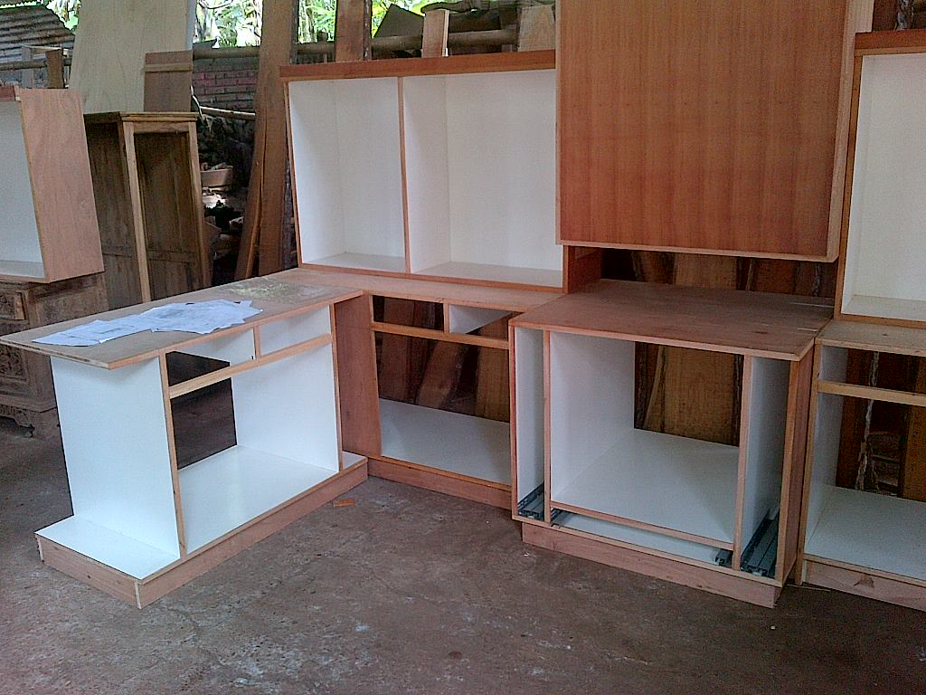 Kitchen set kombinasi kayu tripek dan melaminto tema for Kitchen set kayu